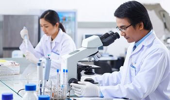 Picture of scientists in a lab